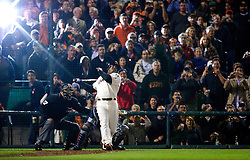 Barry Bonds hits #756, 2007
