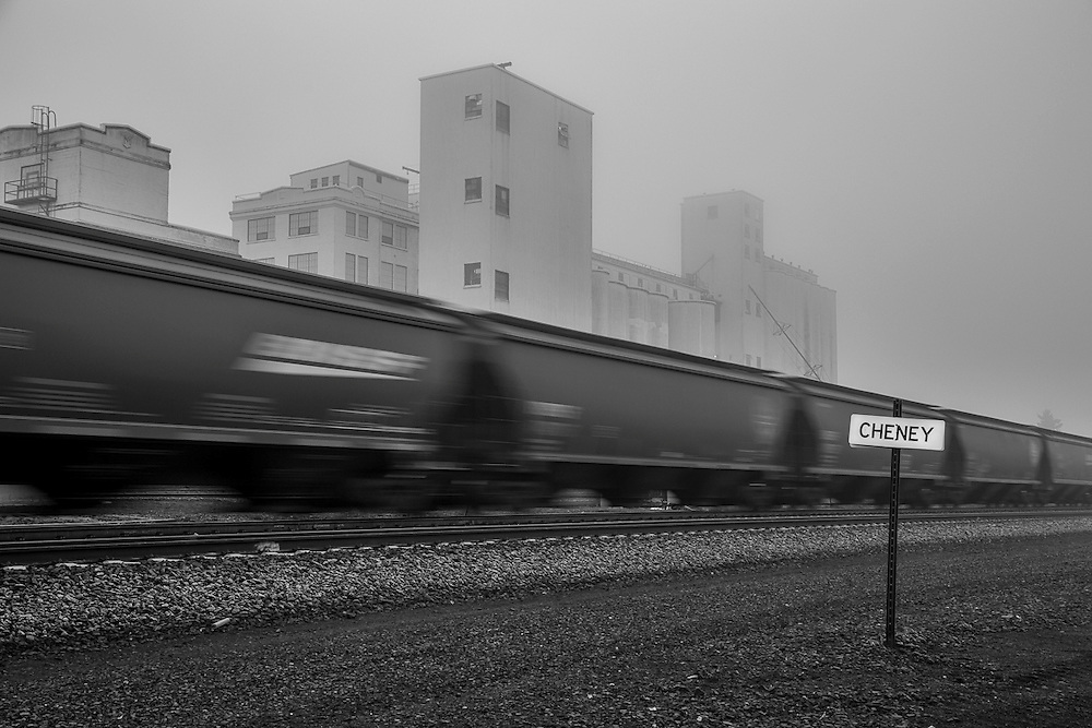 A loaded unit grain train heads west towards a Pacific coast port.