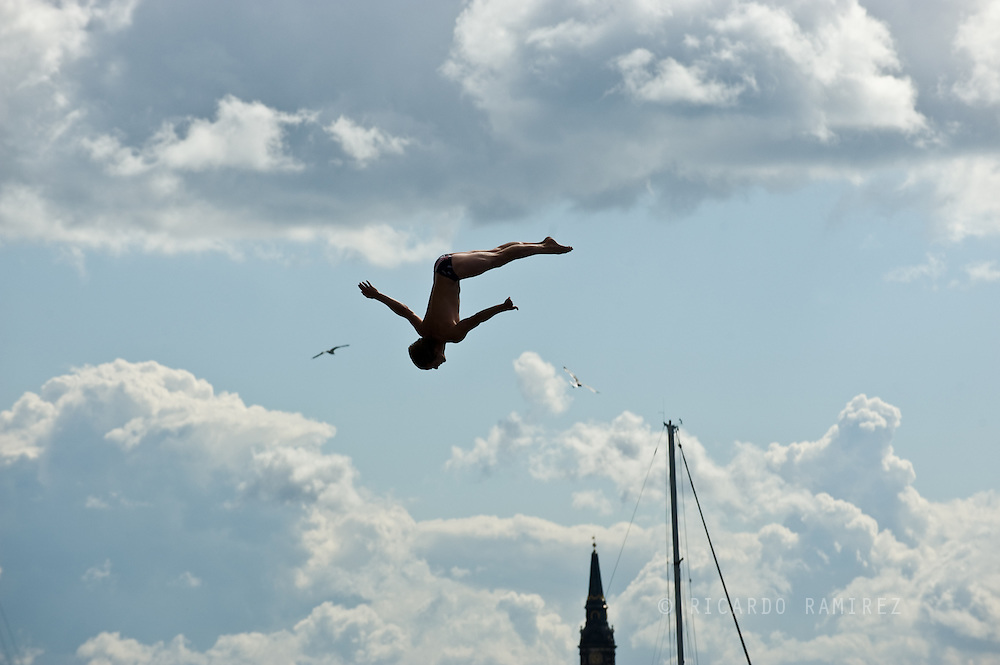 20.06.15. Copenhagen, Denmark.Gary Hunt jump from the 28 metre platform atop the Copenhagen Opera House.Photo:© Ricardo Ramirez