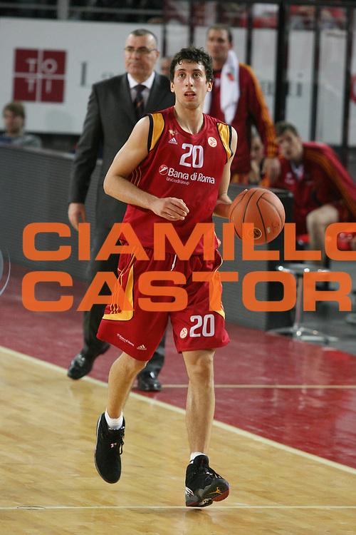 DESCRIZIONE : Roma Eurolega 2007-08 Lottomatica Virtus Roma Fenerbahce Ulker Istanbul <br /> GIOCATORE : Roko Leni Ukic <br /> SQUADRA : Lottomatica Virtus Roma <br /> EVENTO : Eurolega 2007-2008 <br /> GARA : Lottomatica Virtus Roma Fenerbahce Ulker Istanbul <br /> DATA : 03/01/2008 <br /> CATEGORIA : Palleggio  <br /> SPORT : Pallacanestro <br /> AUTORE : Agenzia Ciamillo-Castoria/G.Ciamillo