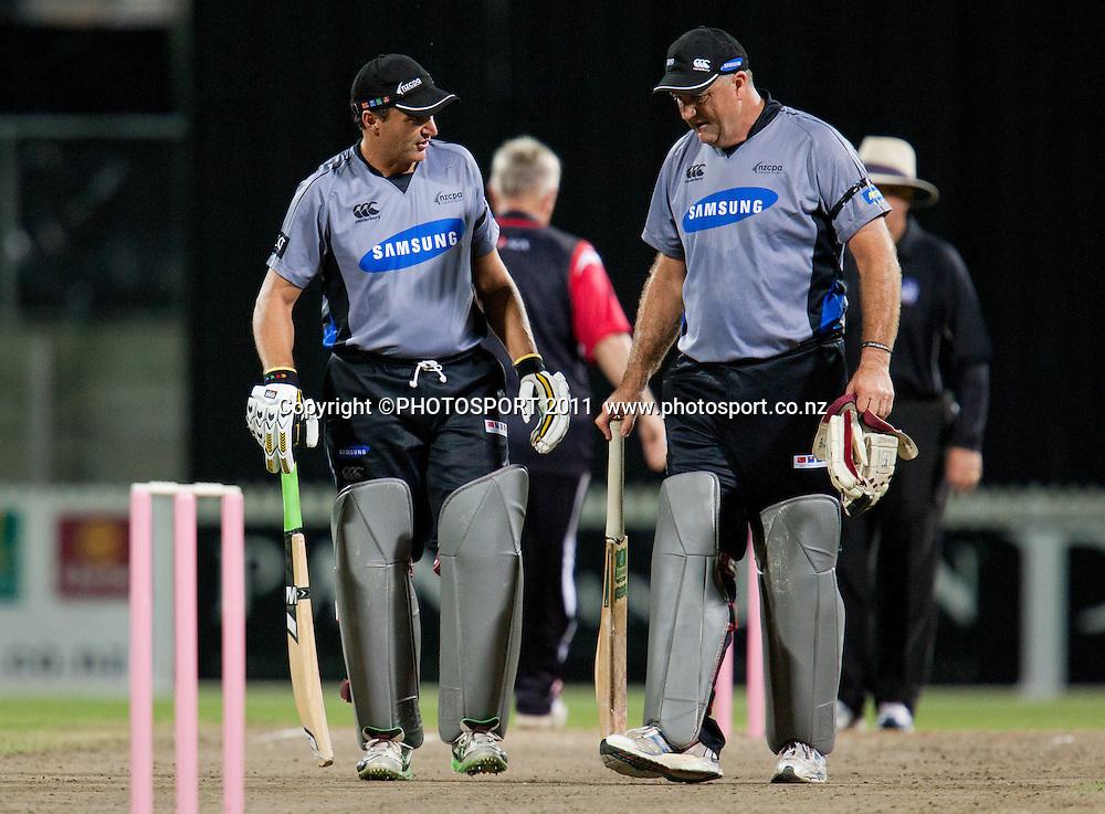 Bryan Young and Mark Greatbatch during the Titans International Twenty20 Cricket, Samsung NZCPA Masters XI v Australia, Seddon Park, Hamilton, New Zealand, Thursday 24 February 2011. Photo: Stephen Barker/PHOTOSPORT