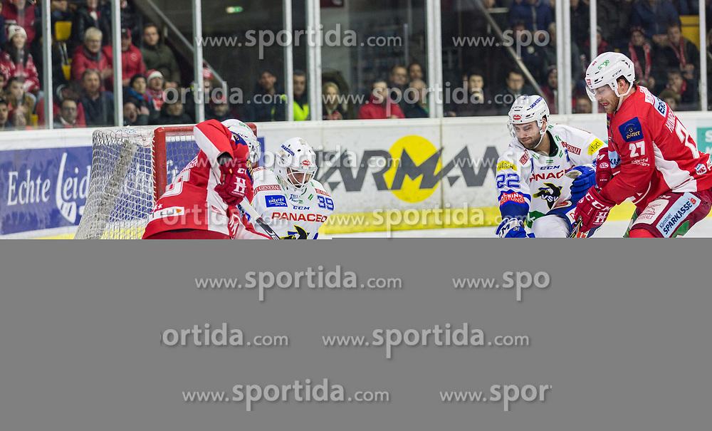 28.12.2018, Stadthalle, Klagenfurt, AUT, EBEL, EC KAC vs EC VSV, 32. Runde, im Bild Johannes BISCHOFBERGER (EC KAC, #46), Dan Bakala (EC Panaceo VSV, #39) // during the Erste Bank Eishockey League 32th round match between EC KAC and EC VSV at the Stadthalle in Klagenfurt, Austria on 2018/12/28. EXPA Pictures © 2018, PhotoCredit: EXPA/ Gert Steinthaler