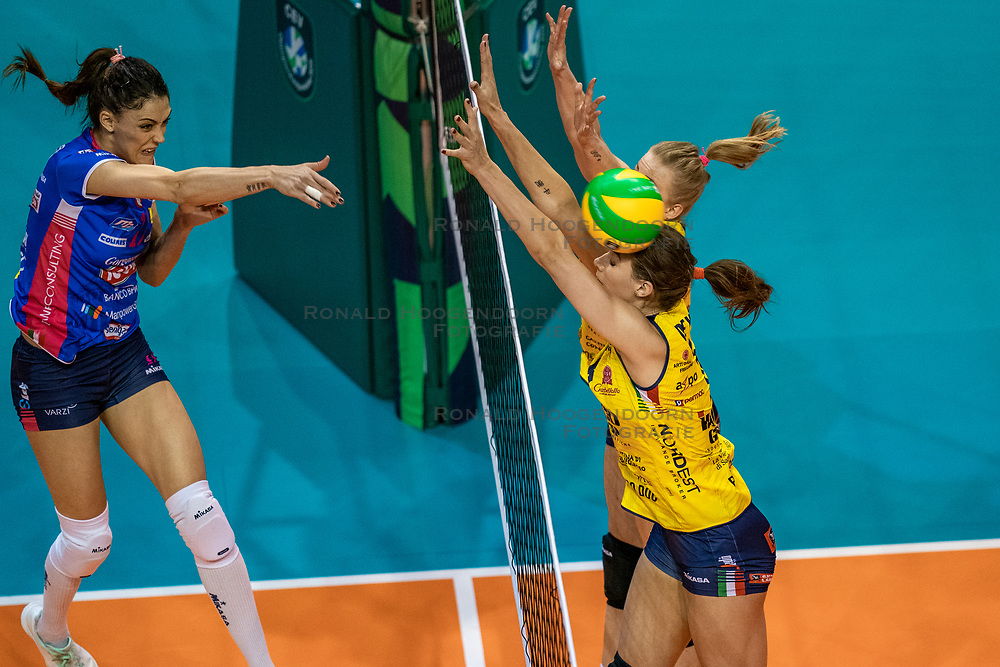 18-05-2019 GER: CEV CL Super Finals Igor Gorgonzola Novara - Imoco Volley Conegliano, Berlin<br /> Igor Gorgonzola Novara take women's title!Novara win 3-1 /  Stefana Veljkovic #17 of Igor Gorgonzola Novara, Robin de Kruijf #5 of Imoco Volley Conegliano, Joanna Wolosz #14 of Imoco Volley Conegliano