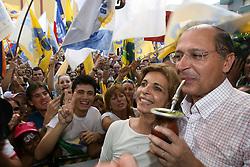 O candidato a presidencia Geraldo Alckmin com a candidata ao governo do Estado do RS Yeda Crusius durante comicio em Santa Maria FOTO: Jefferson Bernardes/Preview.com