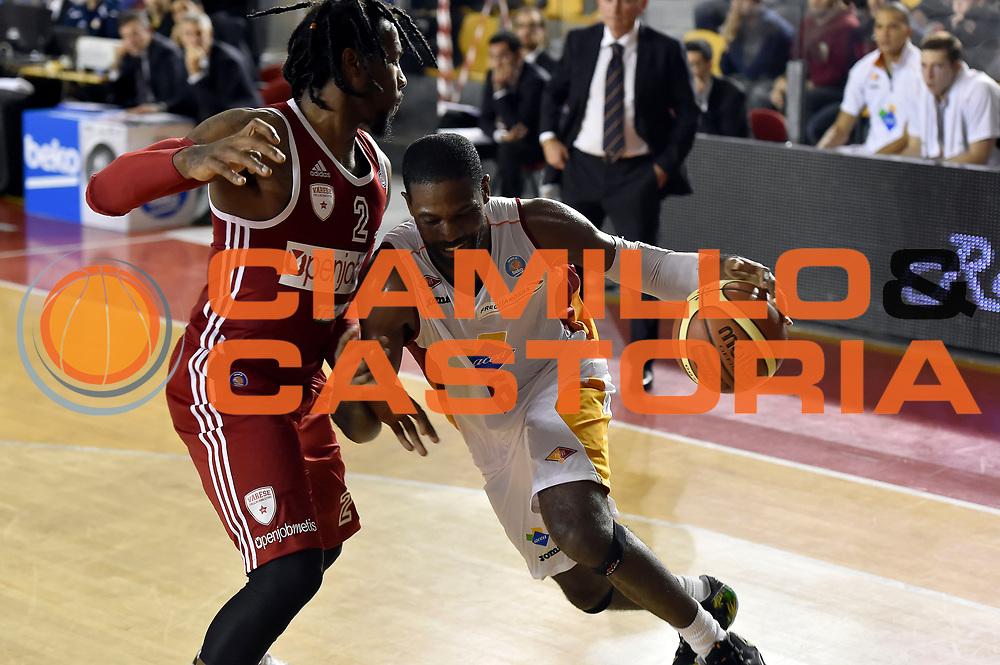 DESCRIZIONE : Roma Lega A 2014-2015 Acea Roma Openjob Metis Varese<br /> GIOCATORE : Bobby Jones<br /> CATEGORIA : palleggio penetrazione<br /> SQUADRA : Acea Roma<br /> EVENTO : Campionato Lega A 2014-2015<br /> GARA : Acea Roma Openjob Metis Varese<br /> DATA : 16/11/2014<br /> SPORT : Pallacanestro<br /> AUTORE : Agenzia Ciamillo-Castoria/GiulioCiamillo<br /> GALLERIA : Lega Basket A 2014-2015<br /> FOTONOTIZIA : Roma Lega A 2014-2015 Acea Roma Openjob Metis Varese<br /> PREDEFINITA :