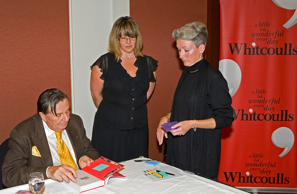 Entertainer Barry Humphries signing copies of his new book - Handling Edna,  Auckland, New Zealand, Friday, October 30, 2009.  Credit:SNPA/David Rowland