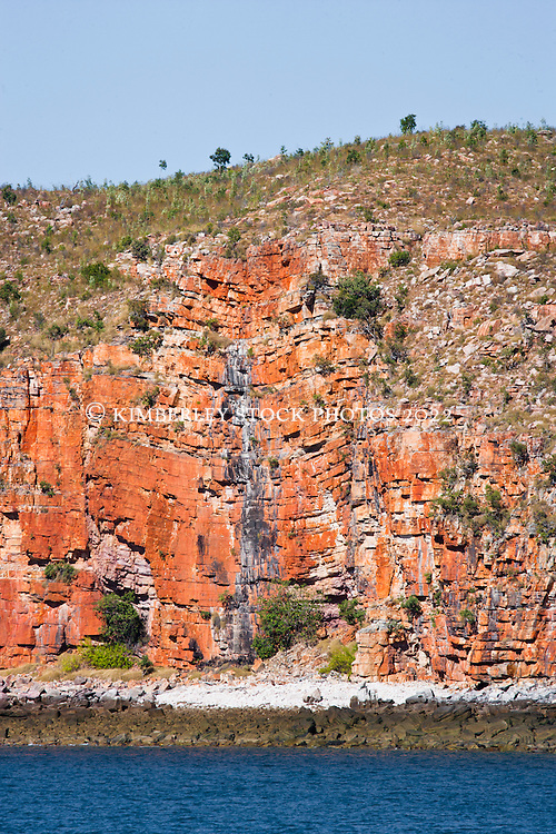 Evidence of huge geological uplifing in the sandstone cliffs of Kuri Bay.