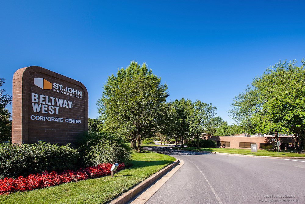 Baltimore building photography of Beltway West Corporate Center by Jeffrey Sauers of Commercial Photographics