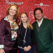 NLD/Amsterdam/20191111 - Premiere Kinky Boots, Hilke Bierman met partner Thijs van Aken en hun dochter