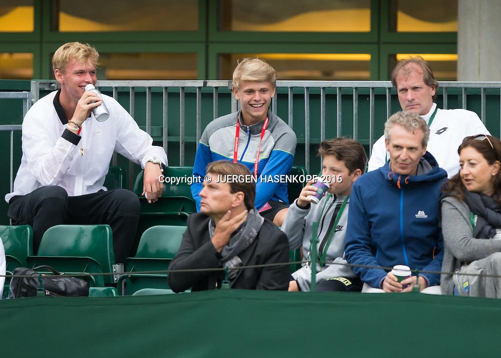 L-R.Louis Wessels ,Marvin Moeller  und Trainer Guido Fratzke sitzen als Zuschauer auf der Tribuene<br /> <br /> Tennis - Wimbledon 2016 - Grand Slam ITF / ATP / WTA -  AELTC - London -  - Great Britain  - 4 July 2016.