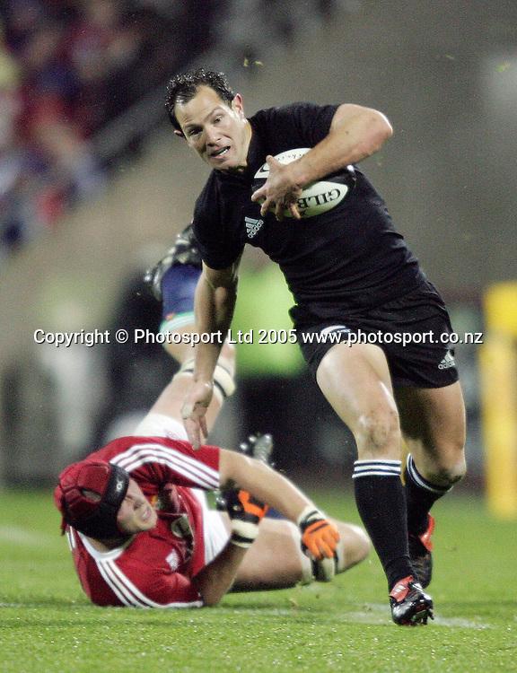 25/6/2005. All Blacks vs Lions 1st Test, Jade Stadium Christchurch. Leon McDonald.  Picture Martin Hunter