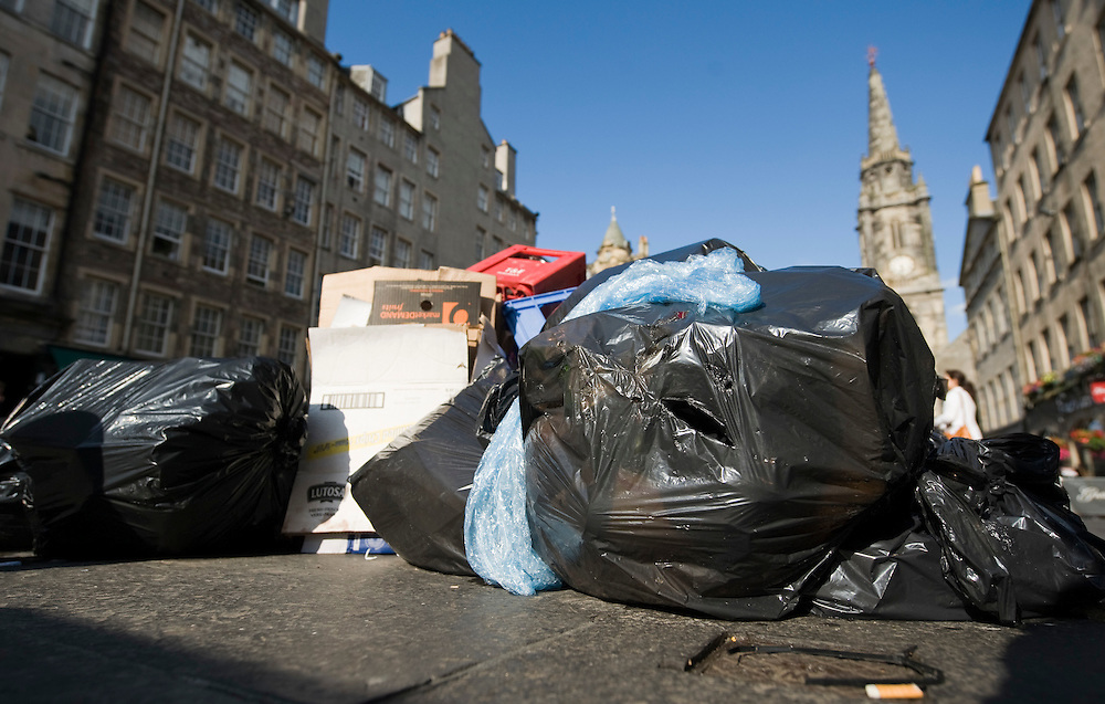 Edinburgh July 15 In Edinburgh rats  are thriving as rubbish left to pile up on city streets. Edinburgh has always had a rat problem but the state of the streets has caused this to escalate. Basement flats are particularly at risk....***Standard Licence  Fee's Apply To All Image Use***.Marco Secchi /Xianpix. tel +44 (0) 845 050 6211. e-mail ms@msecchi.com or sales@xianpix.com.www.marcosecchi.com