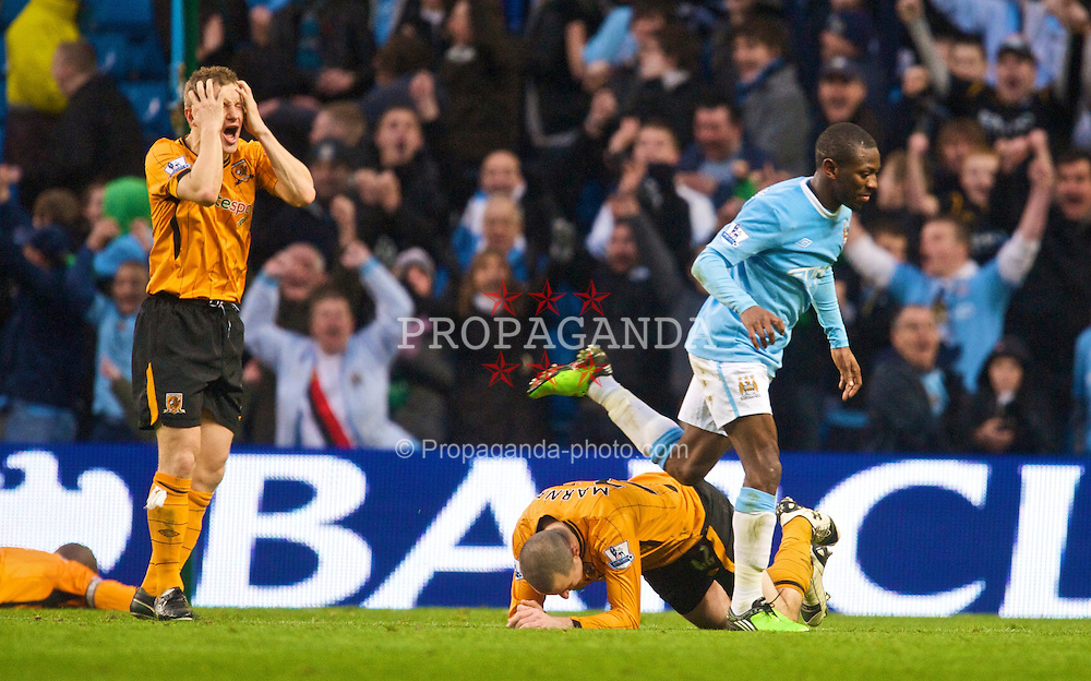 MANCHESTER, ENGLAND - Saturday, November 28, 2009: Manchester City's Shaun Wright-Phillips celebrates after scoring the opening goal against Hull City during injury time in the first half during the Premiership match at the City of Manchester Stadium. (Photo by David Rawcliffe/Propaganda)