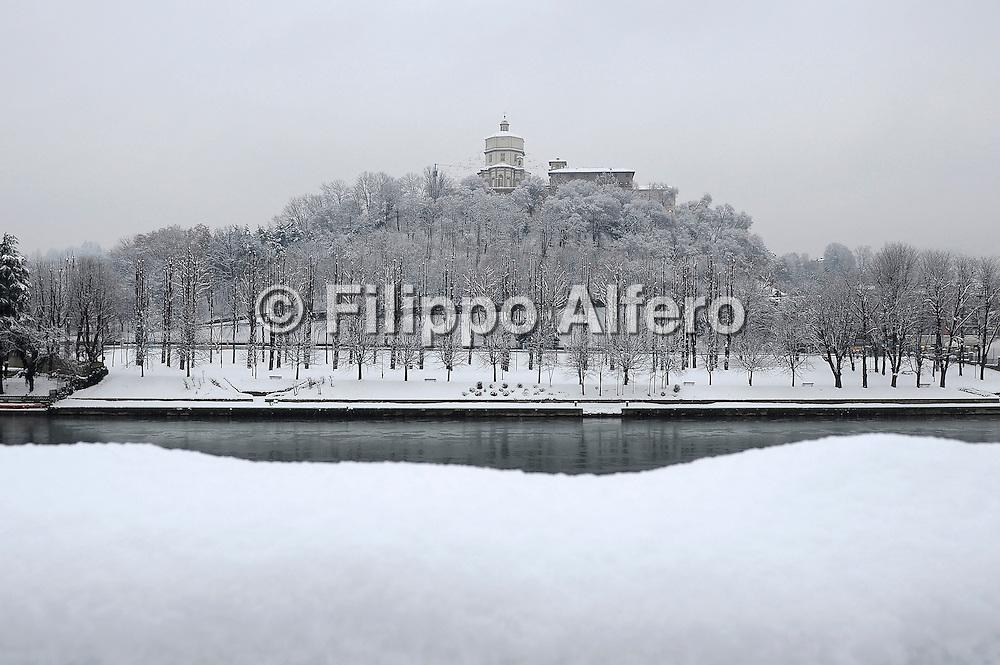 &copy; Filippo Alfero / LaPresse<br /> Torino, 07/01/2009<br /> varie<br /> Torino innevata<br /> Nella foto: il Monte dei Cappuccini<br /> <br /> &copy; Filippo Alfero / LaPresse<br /> Turin, Italy, 07/01/2009<br /> Turin under the snow<br /> In the photo: the Monte dei Cappuccini