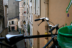 FRANCE PARIS 27JUL07 - Bicycle and backyards in Montmartre, a trendy area of Paris.. . jre/Photo by Jiri Rezac. . © Jiri Rezac 2007. . Contact: +44 (0) 7050 110 417. Mobile:  +44 (0) 7801 337 683. Office:  +44 (0) 20 8968 9635. . Email:   jiri@jirirezac.com. Web:    www.jirirezac.com. . © All images Jiri Rezac 2007 - All rights reserved.