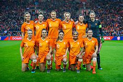 05-04-2019 NED: Netherlands - Mexico, Arnhem<br /> Friendly match in GelreDome Arnhem. Netherlands win 2-0 / Jill Roord #12 of The Netherlands, Dominique Bloodworth #20 Janssen of The Netherlands, Anouk Dekker #6 of The Netherlands/, Vivianne Miedema #9 of The Netherlands, Sherida Spitse #8 of The Netherlands, .goalkeeper Sari van Veenendaal #1 of The Netherlands, Kika van Es #5 of The Netherlands, Lieke Martens #11 of The Netherlands, Danielle van de Donk #10 of The Netherlands, Shanice van de Sanden #7 of The Netherlands, Desiree van Lunteren #2 of The Netherlands