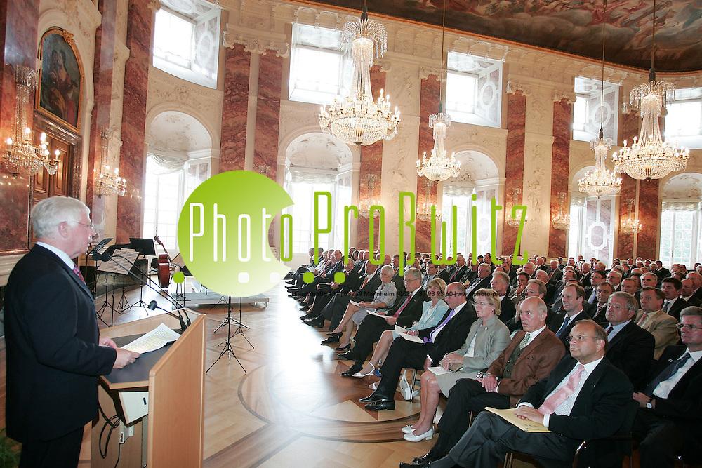 Mannheim. Schloss. Rittersaal. Verleihung des Initiativpreis 2007 an Dr. h.c. Eggert Voscherau. <br /> <br /> <br /> Bild: Markus Pro&szlig;witz<br /> ++++ Archivbilder und weitere Motive finden Sie auch in unserem OnlineArchiv. www.masterpress.org ++++