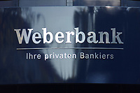 "10 OCT 2002, BERLIN/GERMANY:<br /> Schild ""Weberbank - Ihre Privaten Bankiers"", Hohenzollerndamm 134<br /> IMAGE: 20021010-01-006<br /> KEYWORDS: Privatbank, Privatbankhaus, private banking, Privatbankiers, sign"