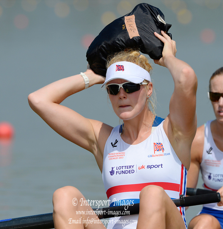 Chungju, South Korea. GBR W2- Polly SWANN practices her line out throw before the morning heat at the 2013 FISA World Rowing Championships, , Tangeum Lake International Regatta Course. 11:04:56  Sunday  25/08/2013 [Mandatory Credit. Peter Spurrier/Intersport Images]