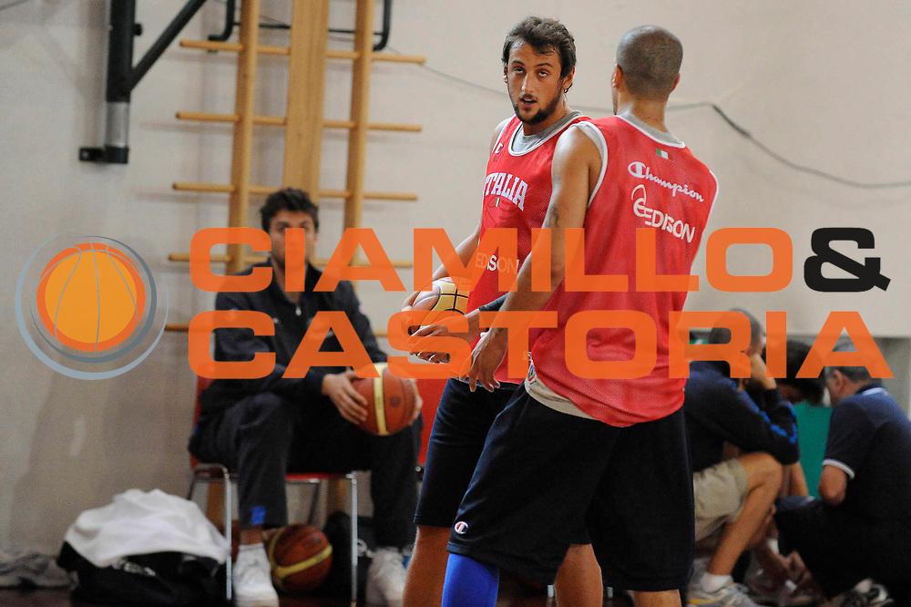 DESCRIZIONE : Bormio Raduno Collegiale Nazionale Italiana Maschile Allenamento<br /> GIOCATORE : Marco Belinelli Andrea Bargnani<br /> SQUADRA : Nazionale Italia Uomini <br /> EVENTO : Raduno Collegiale Nazionale Italiana Maschile <br /> GARA : <br /> DATA : 11/07/2009 <br /> CATEGORIA : ritratto<br /> SPORT : Pallacanestro <br /> AUTORE : Agenzia Ciamillo-Castoria/C.De Massis