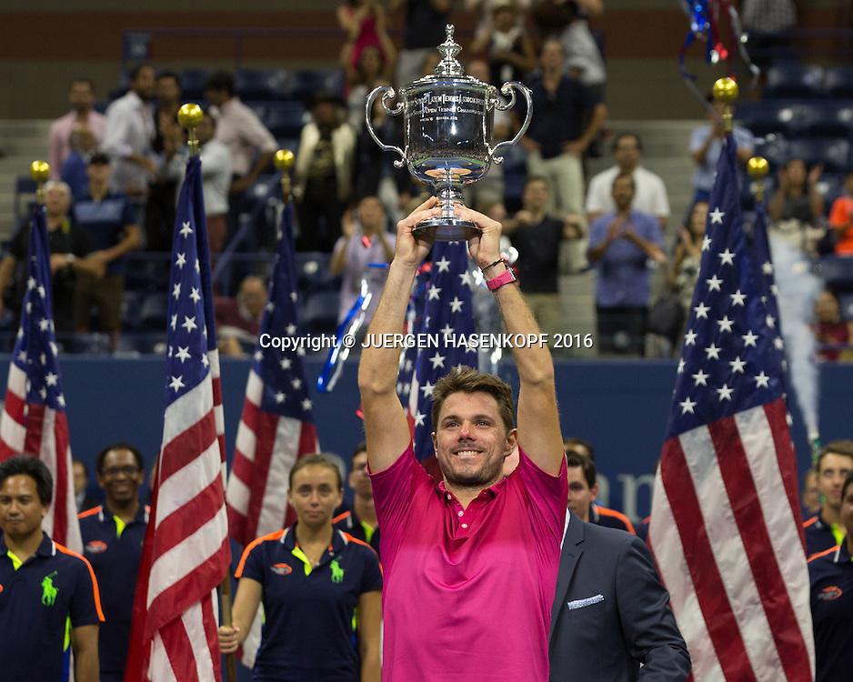 STAN WAWRINKA (SUI)  mit Pokal, Siegerehrung, Praesntation, Herren Finale,<br /> <br /> Tennis - US Open 2016 - Grand Slam ITF / ATP / WTA -  USTA Billie Jean King National Tennis Center - New York - New York - USA  - 11 September 2016.