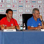 NLD/Amsterdam/20070801 - Persconferentie LG Amsterdam Tournament 2007, Maxi Rodriquez en coach Javier Aguirre