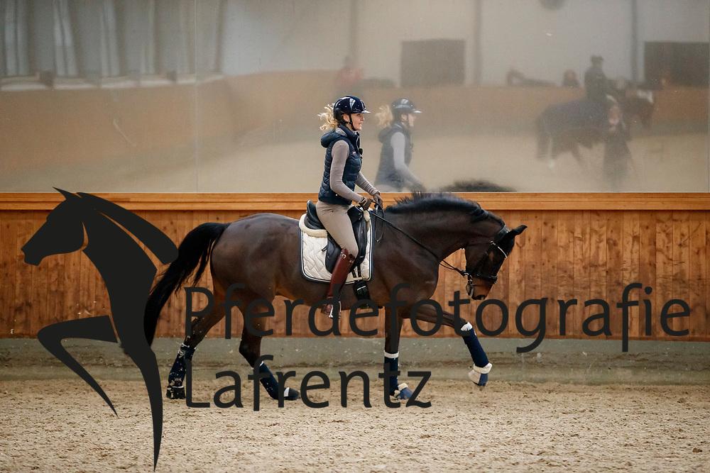 Kathleen KELLER<br /> Appen - Dehnungshaltung Kathleen Keller 2018<br /> © www.sportfotos-lafrentz.de/Stefan Lafrentz