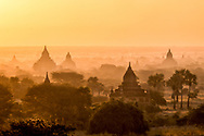 The Bagan valley at dawn - Lorenz Berna