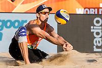 ROTTERDAM - Poulewedstrijd Brouwer/Meeuwsen - Huver/Seidl , Beachvolleybal , WK Beach Volleybal 2015 , 27-06-2015 , Robert Meeuwsen
