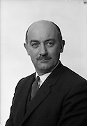 08/02/1963<br /> 02/08/1963<br /> 08 February 1963<br /> Portrait photograph of Mr. Robinson of Irish Shell and B.P.