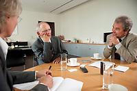 19 AUG 2010, BERLIN/GERMANY:<br /> Birgit marschall, Redakteurin Rheinische Post, Wolfgang Schaeuble, CDU, Bundesfinanzminister, Martin Kessler, Redakteur Rheinische Post, (v.L.n.R.), waehrend einem Interview, in seinem Buero, Bundesministerium der Finanzen<br /> IMAGE: 20100819-01-033<br /> KEYWORDS: Wolfgang Schäuble