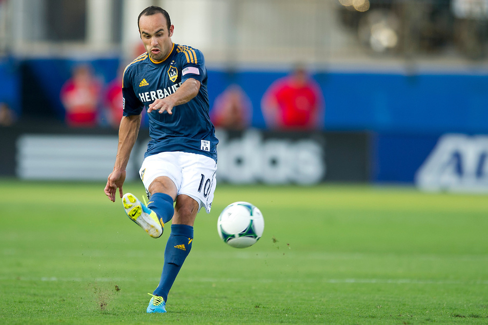 FRISCO, TX - AUGUST 11:  Landon Donovan #10 of the Los Angeles Galaxy controls the ball against FC Dallas on August 11, 2013 at FC Dallas Stadium in Frisco, Texas.  (Photo by Cooper Neill/Getty Images) *** Local Caption *** Landon Donovan