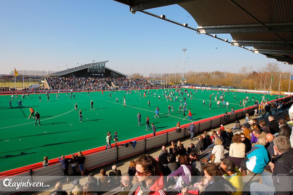 ROTTERDAM - Rotterdam - Den Bosch, Hoofdklasse hockey heren, Seizoen 2010-2011, Hockey Club Rotterdam, 20-03-2011, Overzicht tijdens de rust