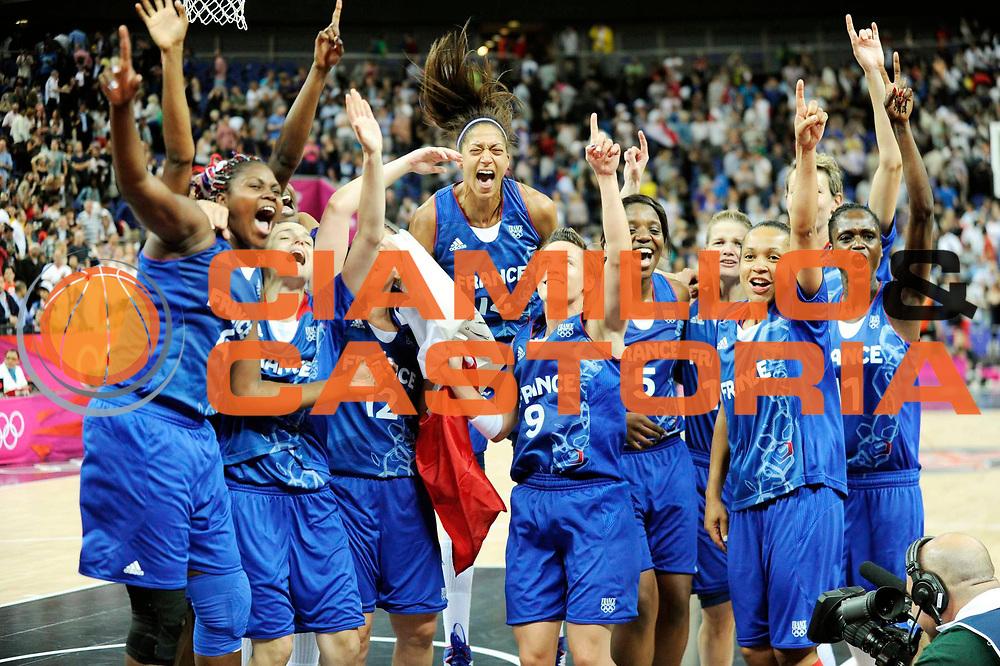 DESCRIZIONE : Basketball Jeux Olympiques Londres Demi finale<br /> GIOCATORE : France<br /> SQUADRA : France  FEMME<br /> EVENTO : Jeux Olympiques<br /> GARA : France Russie<br /> DATA : 09 08 2012<br /> CATEGORIA : Basketball Jeux Olympiques<br /> SPORT : Basketball<br /> AUTORE : JF Molliere <br /> Galleria : France JEUX OLYMPIQUES 2012 Action<br /> Fotonotizia : Jeux Olympiques Londres demi Finale Greenwich Northwest Arena<br /> Predefinita :
