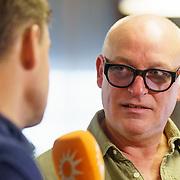 NLD/Ridderkerk/20181021 - oekpresentatie 'Voetbal stelt niets voor' van Jan Boskamp, Rene van der Gijp