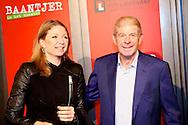 AMSTERDAM - In de DeLaMar theater is de premiere van de musical Baantjer. Met hier op de foto  Frits Barend met zijn dochter Kim. FOTO LEVIN DEN BOER - PERSFOTO.NU