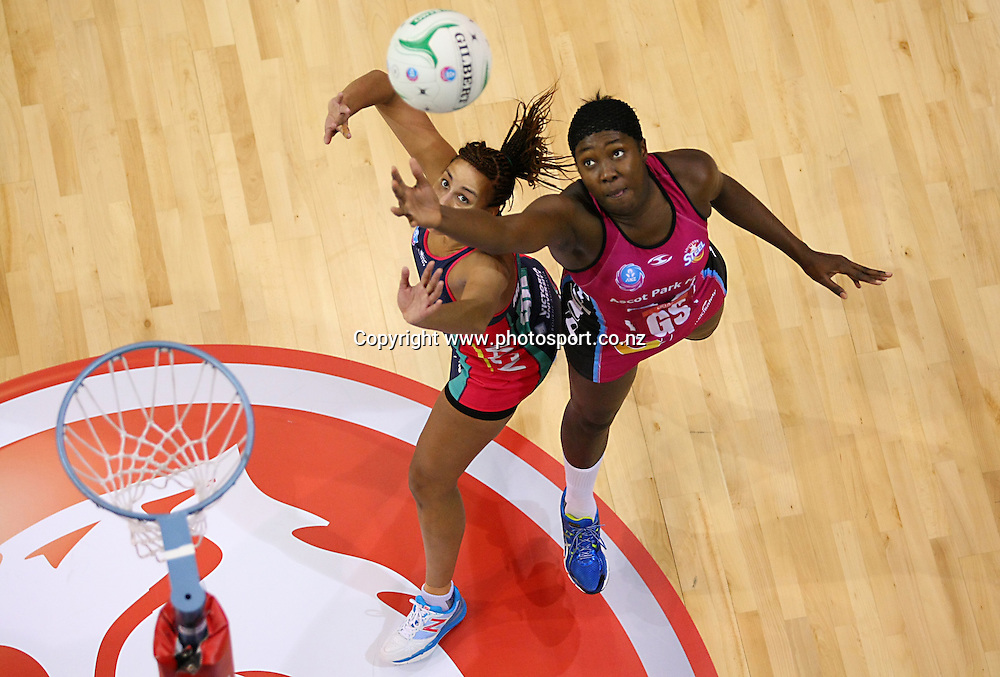 Steels Jhaniele Fowler-Reid, right, and Vixens Geva Mentor compete for the ball  in the ANZ championship netball match, Steel v Vixens, ILT Stadium Southland, Invercargill, New Zealand, Saturday, May 31, 2014. Photo: Dianne Manson / www.photosport.co.nz