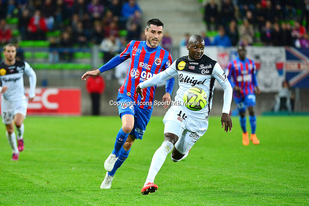 Younousse SANKHARE / Julien FERET - 25.04.2015 - Caen / Guingamp - 34eme journee de Ligue 1<br /> Photo : David Winter / Icon Sport
