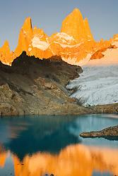 Laguna de los Tres beneath the adjacent peaks of Mount Fitzroy,Parque Nacional los Glaciares,Patagonia, Argentina,South America