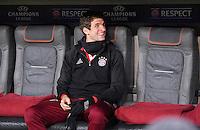 FUSSBALL CHAMPIONS LEAGUE  SAISON 2016/2017 ACHTELFINALE HINSPIEL FC Bayern Muenchen - Arsenal London           15.02.2017 Thomas Mueller (FC Bayern Muenchen) lacht zu Spielbeginn auf der Bank