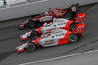 Helio Castroneves, Ryan Briscoe, Dan Wheldon, Peak Antifreeze and Motor Oil Indy 300, Chicagoland Speedway, Joliet, IL USA  8/29/08