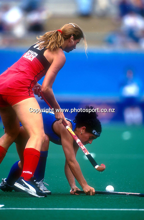 Tina Bell-Kake during the women's hockey match between the New Zealand Black Sticks and Germany at the Olympics in Sydney, Australia on 16 September, 2000. Photo: Andrew Cornaga/PHOTOSPORT<br />