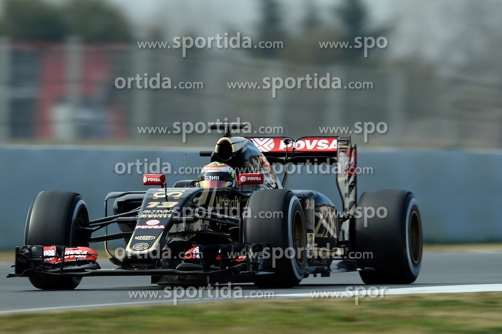 27.02.2015, Circuit de Catalunya, Barcelona, ESP, FIA, Formel 1, Testfahrten, Barcelona, Tag 2, im Bild Pastor Maldonado (VEN) Lotus E23 Hybrid // during the Formula One Testdrives, day two at the Circuit de Catalunya in Barcelona, Spain on 2015/02/27. EXPA Pictures &copy; 2015, PhotoCredit: EXPA/ Sutton Images/ Patrik Lundin Images<br /> <br /> *****ATTENTION - for AUT, SLO, CRO, SRB, BIH, MAZ only*****