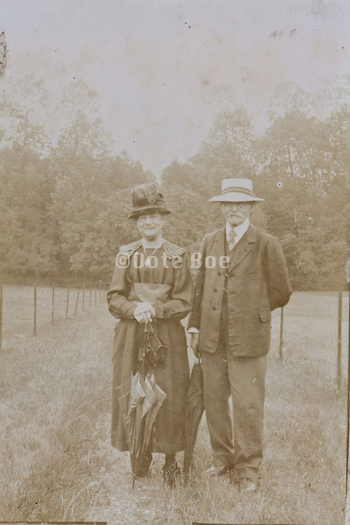 1900s Couple standing France