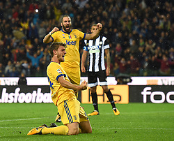 22.10.2017, Stadio Friuli, Udine, ITA, Serie A, Udinese Calcio vs Juventus Turin, 9. Runde, im Bild Daniele Rugani (Juventus Football Club) esulta dopo aver realizzato il gol 3-2 // Daniele Rugani (Juventus Football Club) celebrates after scoring goal 3-2 during the Italian Serie A 9th round match between Udinese Calcio and Juventus Turin at the Stadio Friuli in Udine, Italy on 2017/10/22. EXPA Pictures © 2017, PhotoCredit: EXPA/ laPresse/ Massimo Paolone<br />