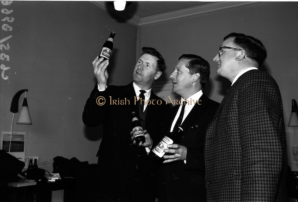 "25/03/1966<br /> 03/25/1966<br /> 25 March 1966<br /> Beamish and Crawford introduce ""Celebration"" Ale at Beamish and Crawford, James Street, Dublin."