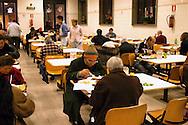 """Roma  24 Dicembre 2006.Ostello """"Don Luigi Di Liegro"""" in Via Marsala. Mensa Caritas di Via Marsala..Guests of the refectory Caritas of Street Marsala"""