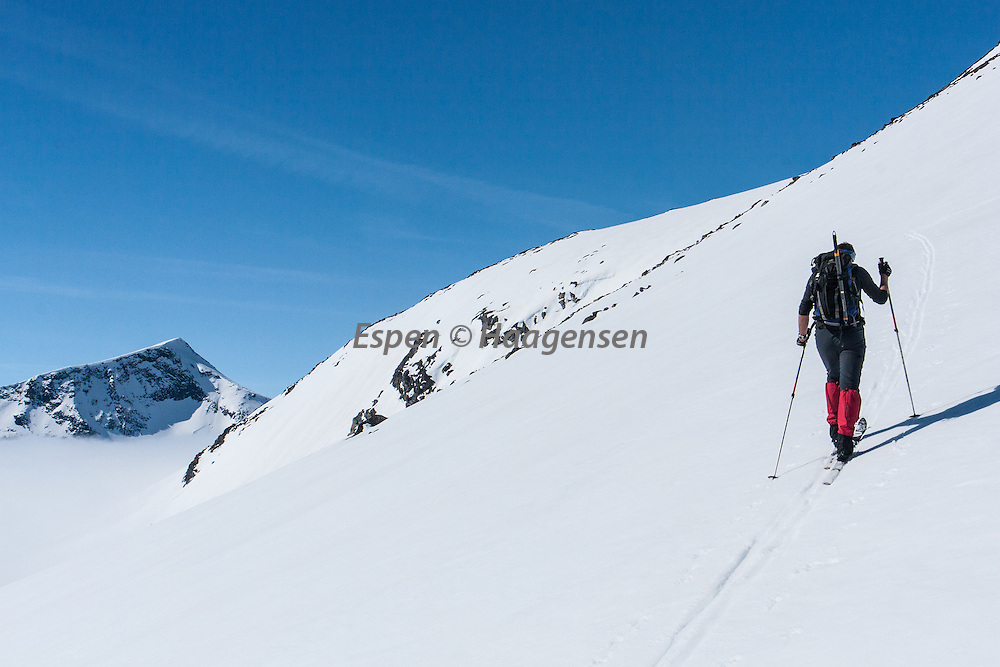 Skiing in Leirungsdalen