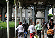 07/05/11 - VICHY - ALLIER - FRANCE - Les arcades a Vichy - Photo Jerome CHABANNE