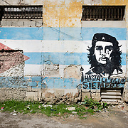 Mural with Cuban flag and portrait of Che Guevara in Old Havana